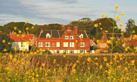 Norfolk: Superior Room for Two with Breakfast and Option for Prosecco and Late CheckOut at The George Hotel at Cley