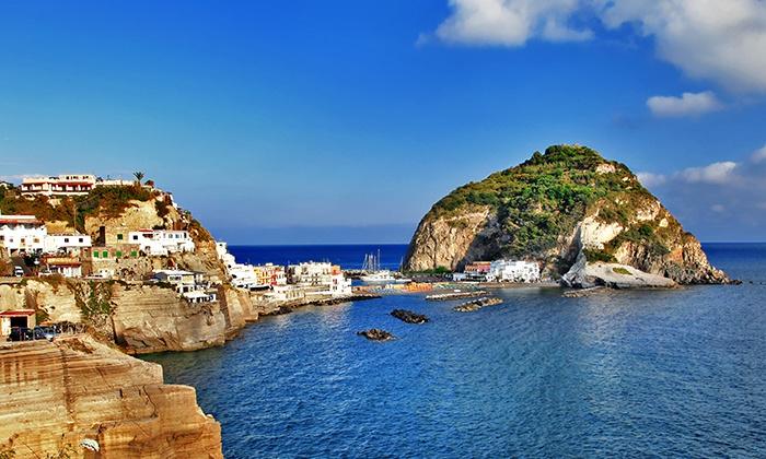 Valetravel - Valetravel: Ischia - 7 notti in hotel con pensione completa e tour dell'isola in bus da 199 € a persona