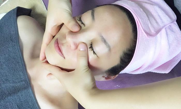 彼女のエステ - 彼女のエステ: 【最大58%OFF】韓国に伝わる美容法で、シャープな輪郭へ。指先を巧みに使って「顔の骨」にアプローチ≪コルギ70分(頭皮・肩・首マッサージなど)/他1メニュー≫ @彼女のエステ