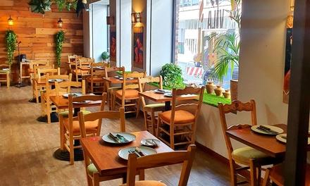Menú brasileño con buffet libre de ensaladas, guarniciones y platos calientes para 2 o 4 personas en Vila Brasil