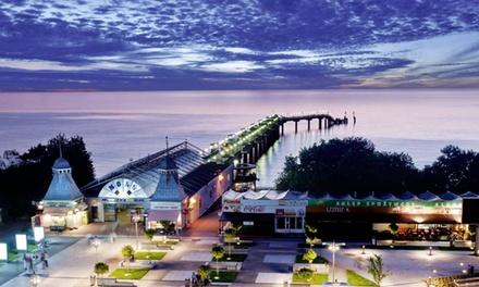 Międzyzdroje: 2-8 dni dla 2 osób z wyżywieniem, słodkim deserem, wellness i więcej w Hotelu Aurora Family & Spa 4*