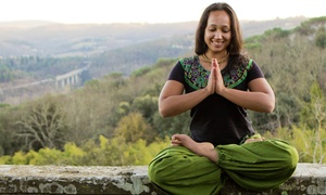 Cintamani Yoga: 10 o 20 lezioni di yoga da 60 minuti per una o 2 persone al Cintamani Yoga (sconto fino a 78%)
