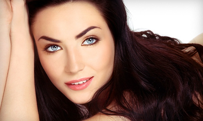 Mia Bella Donna Medspa - Southridge: $90 for Skin-Treatment Package with HydraFacial and LED-Light Therapy at Mia Bella Donna Medspa ($200 Value)