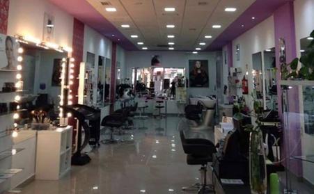 Sesión de peluquería con tratamientos adicionales a elegir desde 14,95 € en Conchi Quevedo Peluquería Y Estética