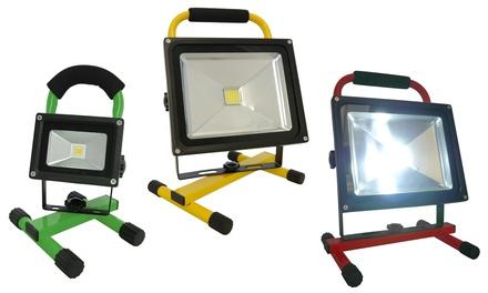 Grafner LED-Baustrahler mit Akku 10, 20 oder 30 W in Grün, Rot oder Gelb (23,99 €)