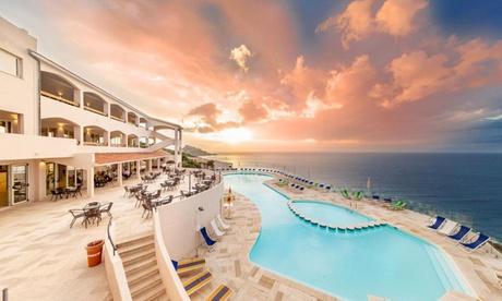 Castelsardo: habitación doble o twin para 2 personas con pensión completa y bebidas en el Castelsardo Resort 4*.