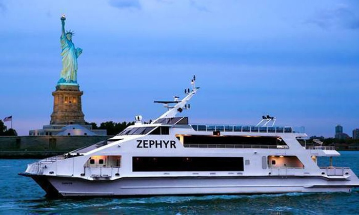 House on the Hudson Yacht Party, Fridays at 9:45 p.m. (May 13–September 30)