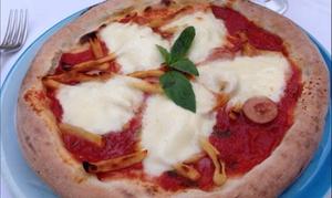Ristorante Vesuvio: Menu pizza verace napoletana con antipasto, bevanda e dolce al Ristorante Vesuvio (sconto fino a 67%)