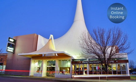 Wagga Wagga: Up to 3 Nights or 4 People with Breakfast, Welcome Drinks and Late CheckOut at Mantra Pavilion Hotel