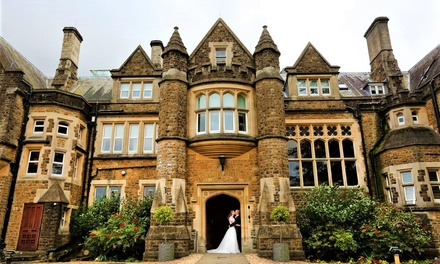 Surrey: OneNight Stay for Two with Murder Mystery Experience, Breakfast, Dinner and Disco at 4* Hartsfield Manor