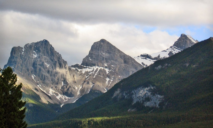 Falcon Crest Lodge - Canmore: Two- or Three-Night Stay for Up to Four at Falcon Crest Lodge in Canmore, AB