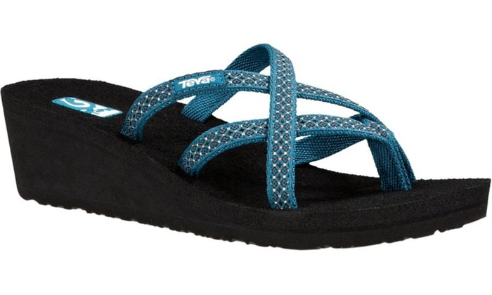 d6fac3e1f2cee Teva Women s Flip Flops or Sandals (Size ...