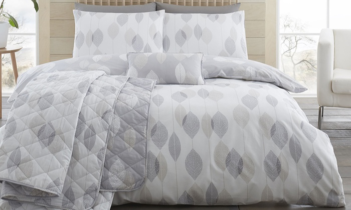 200TC Etched Leaves Soft Touch Duvet Set from £7