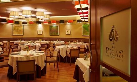 Menú cena para 2 personas, que incluye acceso y 1 copa en el casino, en As de Picas (con 55% de descuento)