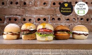A Casa do Ferreiro Bar: A Casa do Ferreiro Bar – Água Verde: rodízio de mini-hambúrguer para1, 2 ou 4 pessoas
