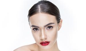 Brovi: Makijaż permanentny ust (299,99 zł) lub brwi (349,99 zł) z uzupełnieniem w salonie Brovi (-50%)