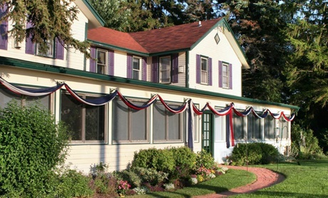 19th-Century B&B in Lakeside Michigan Town