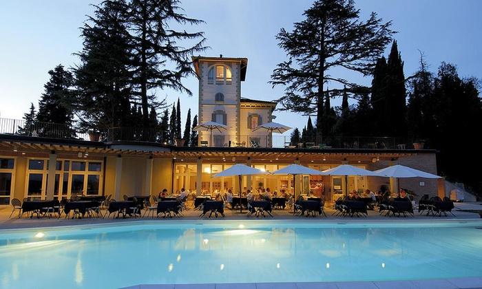 Ingresso piscina, aperitivo e cena o pranzo per 2 persone da Spa Relais La Cappuccina a S.Gimignano (sconto fino a 66%)