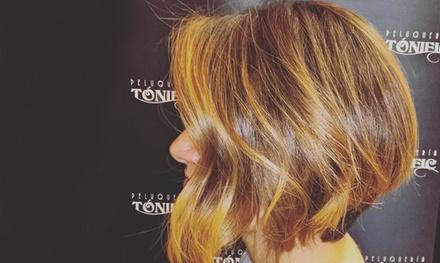 Sesión de peluquería completa con opción a tinte y/o mechas desde 14,90 € en Tonific