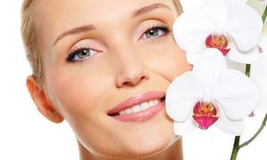 BEAUTY & LOVE: 3 o 5 pulizie viso da un'ora ciascuna (sconto 82%)