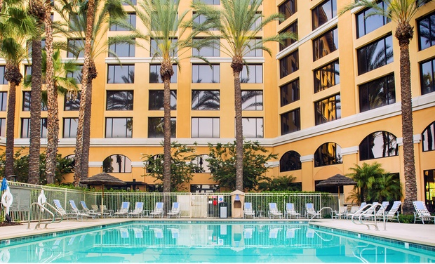 About Sheraton Park Hotel at the Anaheim Resort Property Location With a stay at Sheraton Park Hotel at the Anaheim Resort in Anaheim (Anaheim Resort), you'll be within a 5-minute drive of Disneyland ® and Disney California Adventure ® Park.
