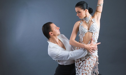 $35 for Four Weeks of Beginner Salsa Dance Classes — Clave Mambo Dance ($50 value)