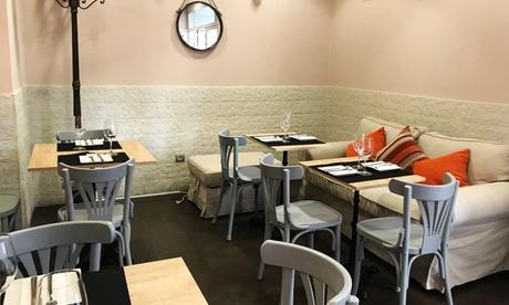 Menú para 2 o 4 personas con aperitivo, raciones, smoothie o postre y bebida desde 16,95 € en Boca Grande
