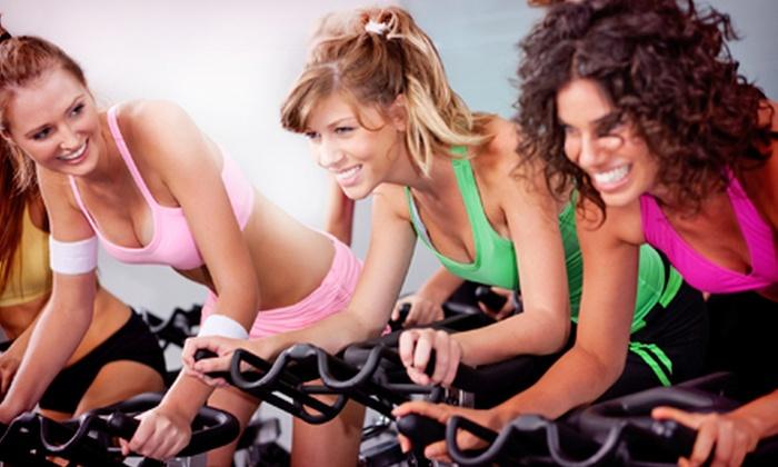 Academia A+ Gym - Academia A+ Gym: Academia Mega Gym – Contagem: 3, 6 ou 12 meses de musculação, circuito e dança, a partir de R$ 129