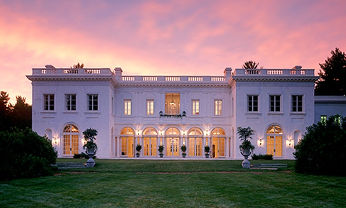 The Great Gatsby Moonshine Ball & Onyx 111 Infusion Challenge - Middletown: $75 for The Great Gatsby Moonshine Ball & Onyx 111 Infusion Challenge at Wadsworth Mansion on September 27 ($99 Value)