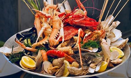 Mariscada para dos a elegir entre buey de mar o bogavante con entrante y postre desde 29,90 € en Restaurante El Trasgu