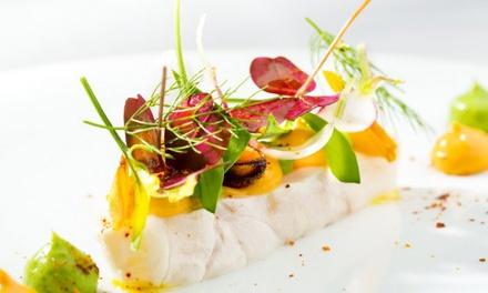Menu en 2 ou 3 services avec entrée, plat et dessert au choix pour 2, le midi ou le soir dès 39 € chez Le Vieux Moulin