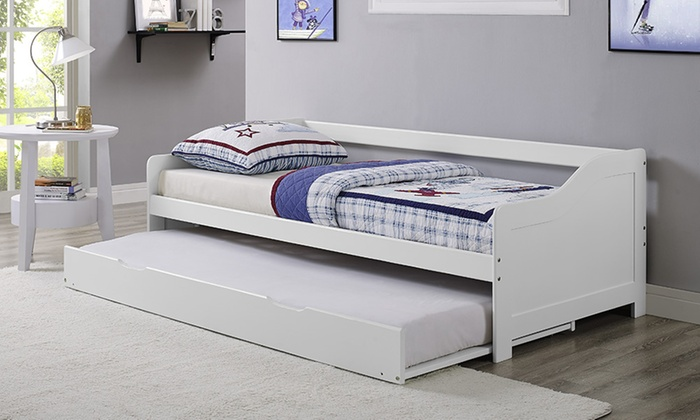 Maine Wooden Day Bed with Optional Mattresses With Free Delivery (£124)