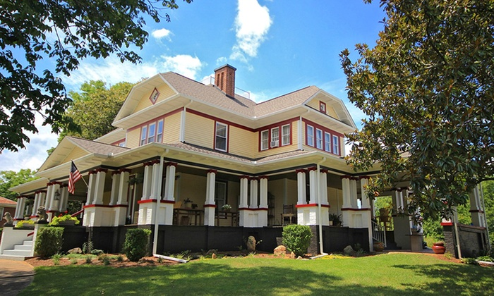 2-Night Stay with Optional Wine at B&B near Asheville