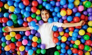 KUTUMBA Kindertraum: Tageskarte für die Spielwelt für 1 oder 2 Erwachsene und 1 bis 3 Kinder bei KUTUMBA Kindertraum (bis zu 40% sparen*)