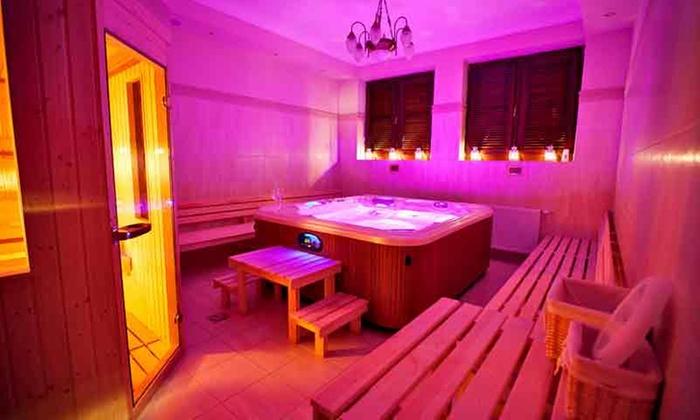 Sandomierz: pokój deluxe lub apartament z wyżywieniem