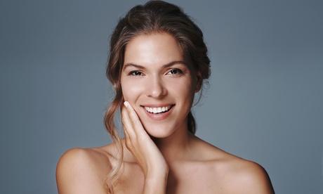 Peeling químico o limpieza facial completa con opción a masaje facial, velo de colágeno y más desde 14,95 € en CC Láser