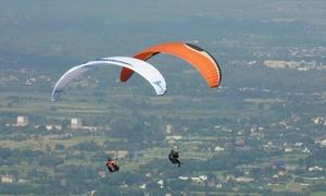 Szkoła Paralotniowa Albatros: Szkolenie z lotem paralotnią w tandemie i nagraniem wideood 219,99 zł w Szkole Paralotniowej Albatros (do -38%)