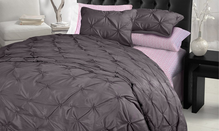 Formula Tufted and Printed Bedding: Formula Bedding Sets (Up to 42% Off). Eight Options Available. Free Shipping and Free Returns.