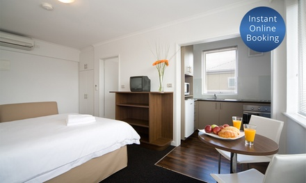 Melbourne, St Kilda: One or TwoNight Stay with Wine and Late CheckOut for Two People at Easystay Studio Apartments