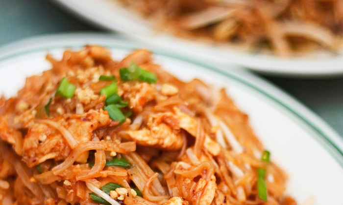 Silver Spoon Thai Restaurant - Near North Side: $6 for $12 Worth of Thai Dinner Food at Silver Spoon Thai Restaurant & Bar