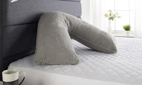 Almohada de felpa en forma V