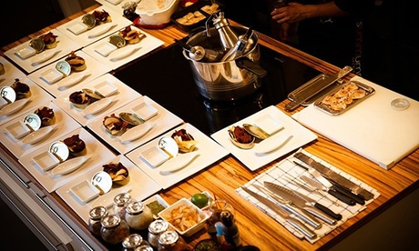 Cena a ciegas para 2 o 4 personas con 16 o 32 platos y bebida por persona en Summumm Cursos By Alberto Mastromatteo