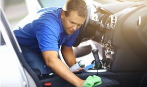 Golden Service: Lavaggio e sanificazione interni per auto di varie dimensioni da Golden Service (sconto fino a 68%)