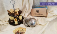 Etagere mit Kuchen und Gebäck inkl. Tee- oder Kaffeespezialität bei Bread And Sweets - Mokkateeria (50% sparen*)