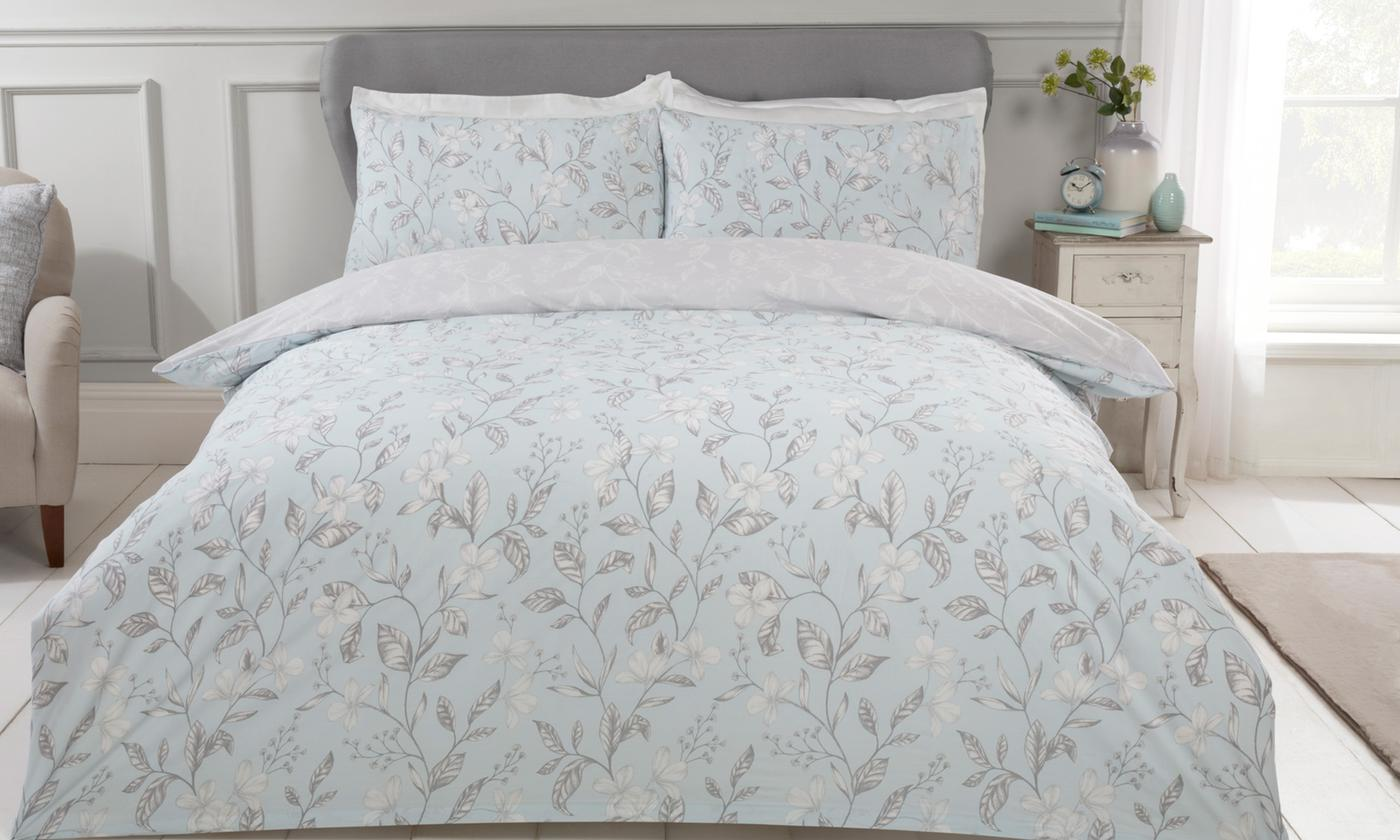 Pieridae 200TC Etched Floral Reversible Duvet Set for £12.98