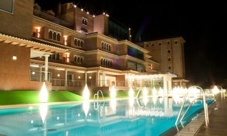 Granada: estancia en habitación doble/twin o suite Junior para 2 personas con desayuno y spa en Hotel Granada Palace 4*