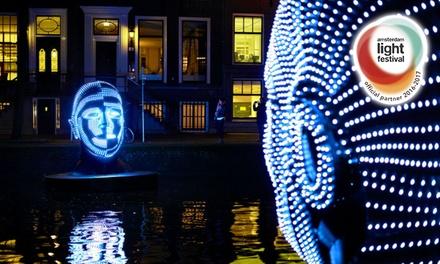 Rondvaart tijdens Amsterdam Light Festival met festival's officiële partner KINboat Amsterdam