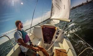 Vela Duemila: Corso per patente nautica entro le 12 miglia per barca a vela o motore da Vela Duemila (sconto 77%)