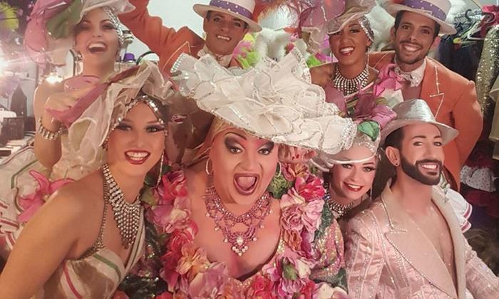 """Francky Folies Cabaret - Venelles: Formule """"Magic Folie"""" pour 2 ou 4 personnes, option une demi-bouteille de champagne dès 59 € au Francky Folies Cabaret"""