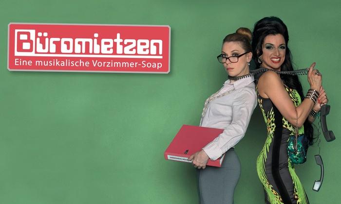 """Ciutan Events: Musik-Show """"Büromietzen"""" mitCara Ciutan von Februar bis Juni 2018 in der Filmbühne am Steinplatz (38% sparen)"""